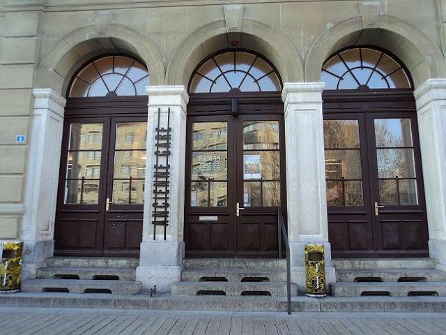 «MIRADAS DISONANTES» de «FOTOGRAFIA ARGENTINA CONTEMPORANEA» en la Ancienne Gare de Friburgo, Alemania; 2012