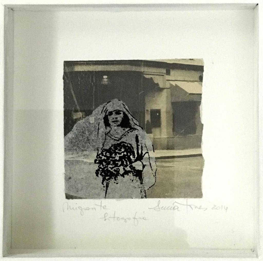 LUCIA TORRES «MIGRANTE» Litografía 20x20cm - Año 2014