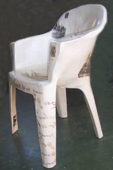 LUCIA TORRES «LO QUE QUEDA DEL VIAJE» en «La Casa del Artista» Técnica mixta - Año 2009