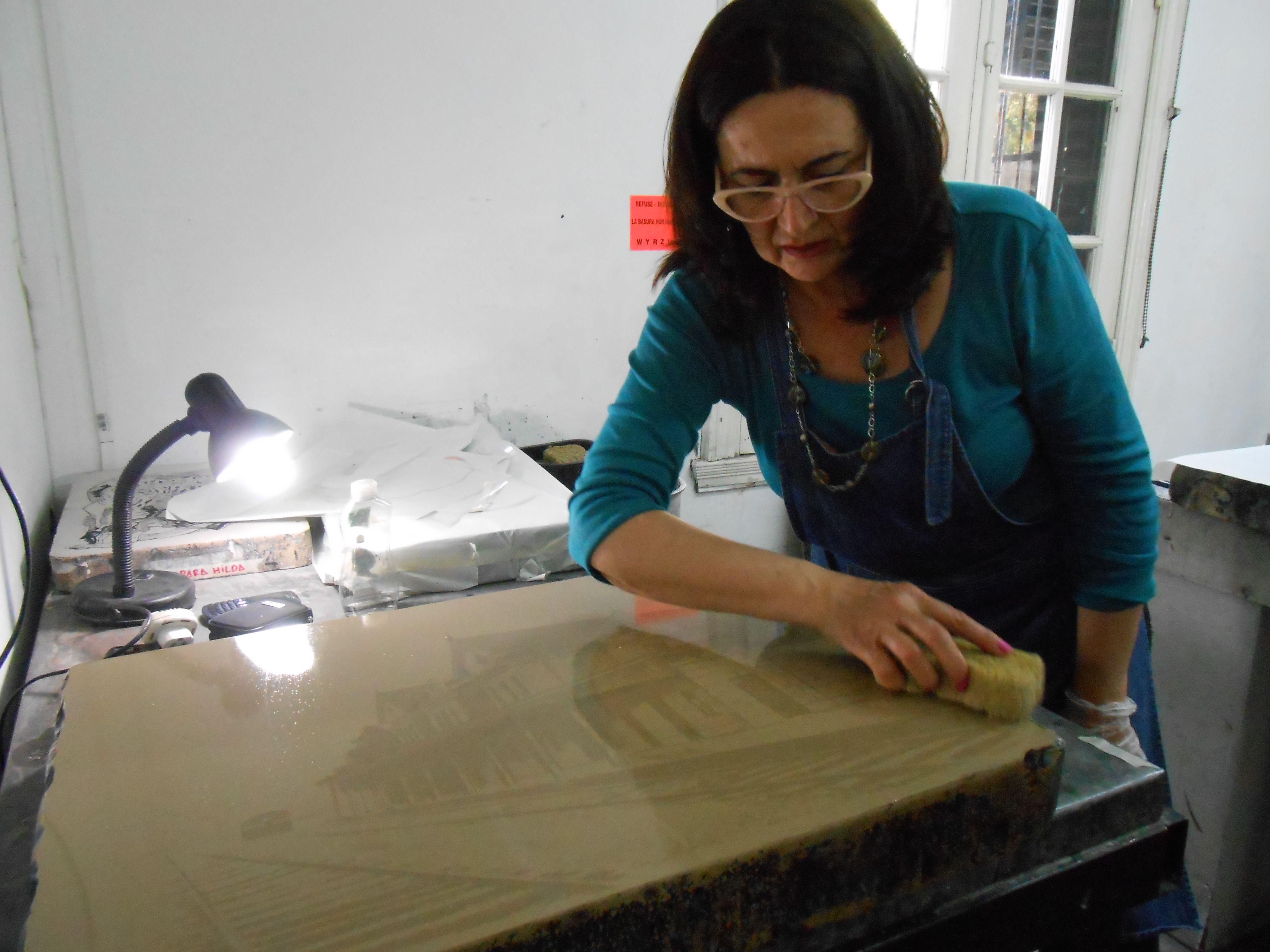 LUCIA TORRES - Proceso de impresión de la pieza «Migrante 102 - Estación Puerto Deseado»