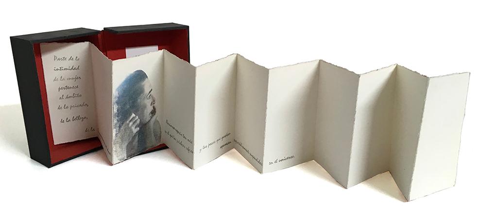 LUCIA TORRES «LO PRIVADO - Libro de Artista - Edición Única - 16x9,5x4,5cm - 16x70x17cm abierto - Año 2012 en «LITOGRAFÍA ARGENTINA CDE 2019» Centro de Edición, Central Newbery Galería de Arte - Año 2019