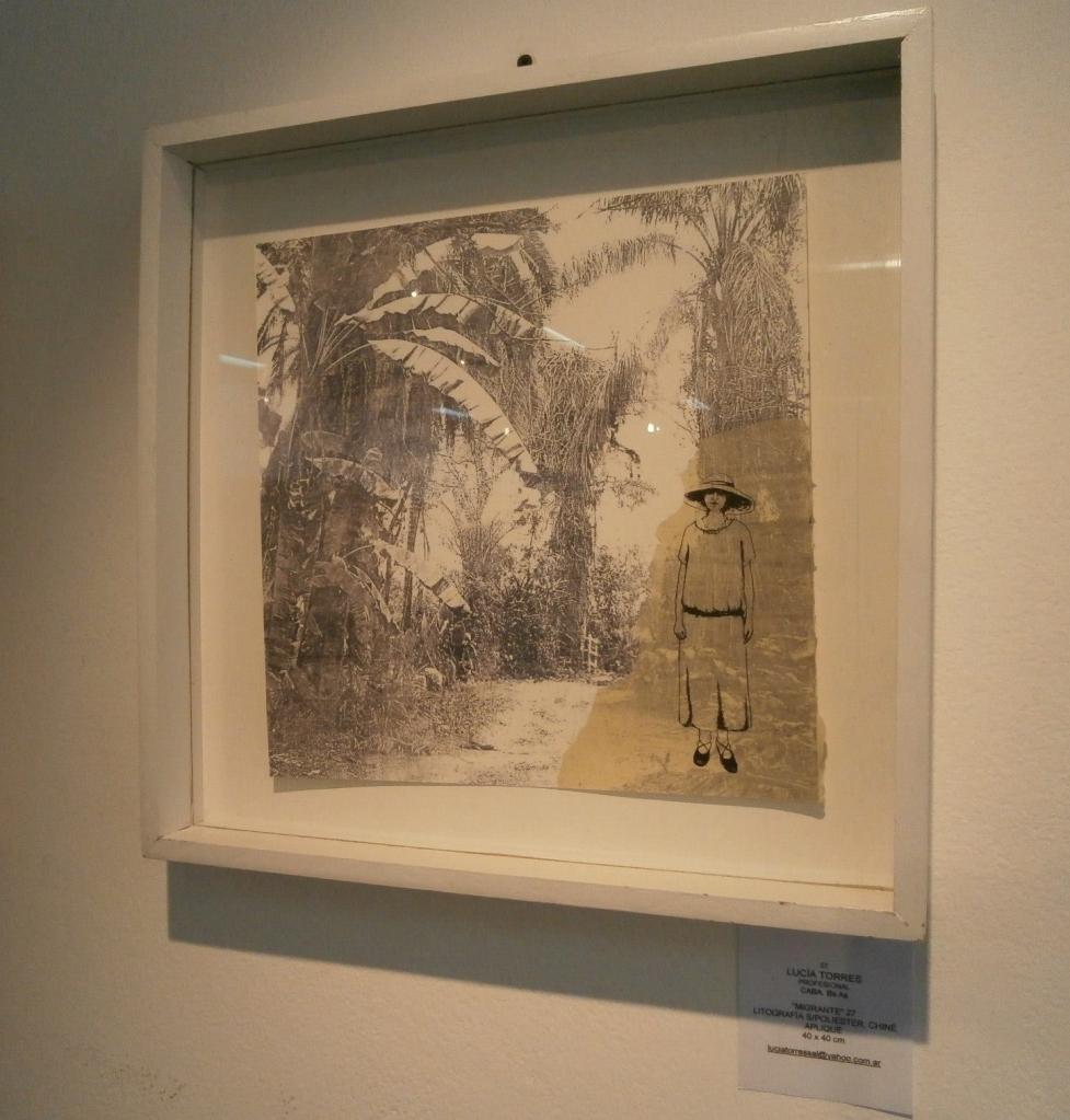 LUCIA TORRES «MIGRANTE 27» Litografía en Poliester - 40x40cm - Año 2013 «Salón de Pequeño Formato - ARTES VISUALES 2014» en el Museo Bellas Artes Bonfiglioli en Villa María, Córdoba
