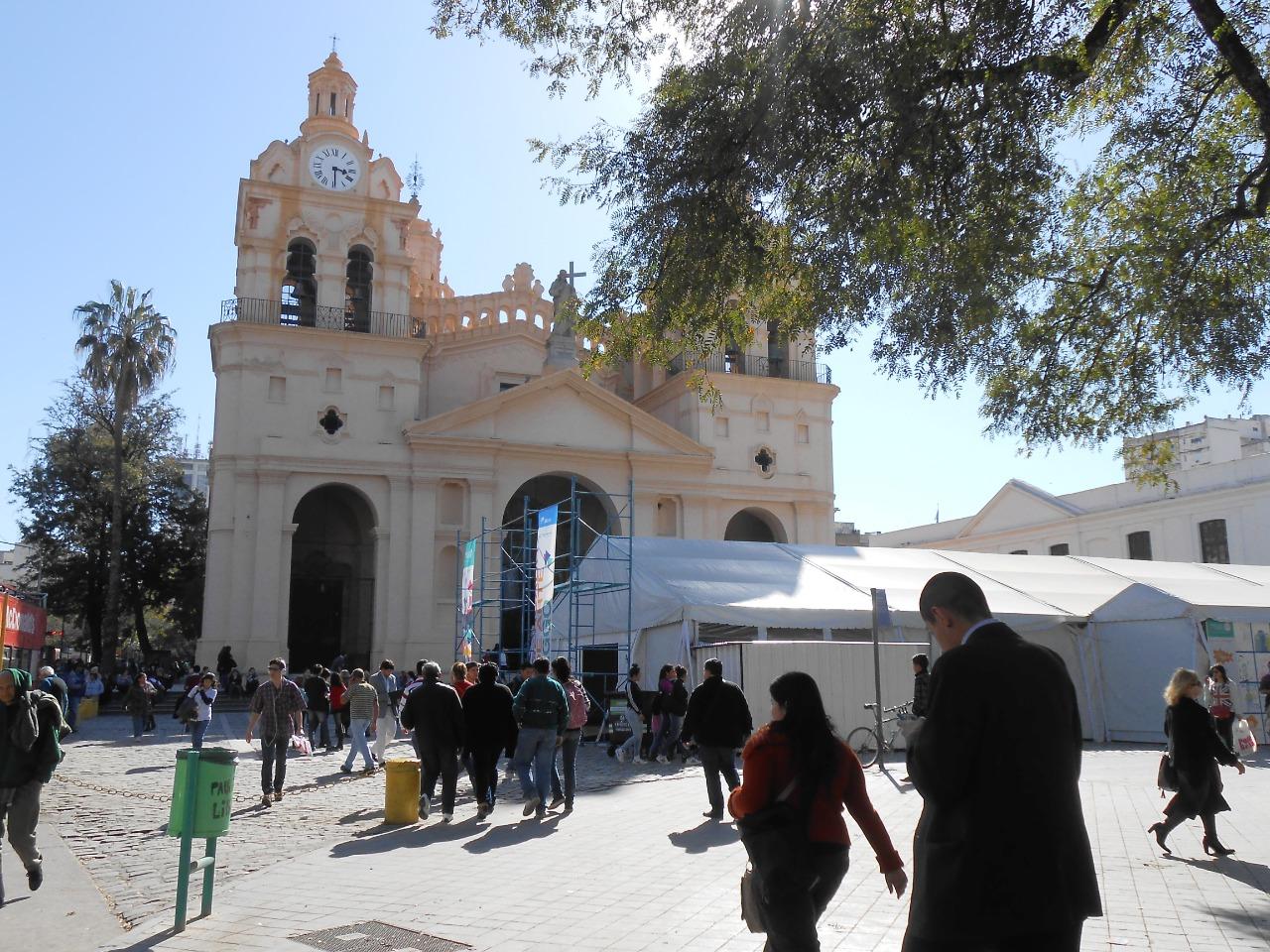 «Mercado de Arte Córdoba / EGGO» 2014